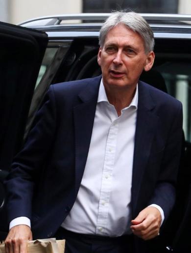 وزير مالية بريطانيا